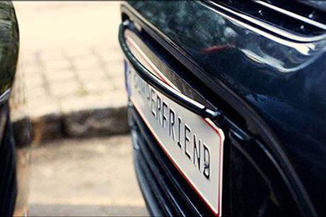 Beskyt din bil mod ridser og buler! - Bumperfriend nummerplade holder fra Bumperfriend ApS, værdi kr. 499,-