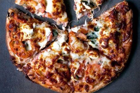 32 cm Pizza oder 60 cm Riesen-Pizza mit unterschiedlichen Belägen im Pirates Berlin (bis zu 50% sparen*)