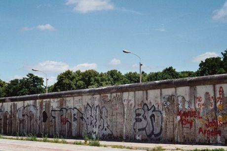 """City-Tour """"Verbotener Untergrund – Die unterirdische Geschichte der Berliner Mauer"""" für 1-2 Personen mit unter-berlin"""