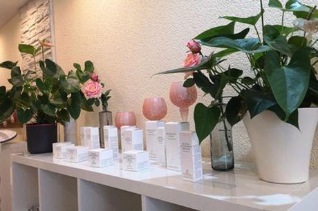 Klassische Maniküre mit Lack und / oder Pediküre im Rosé Beauty Salon (bis zu 40% sparen*)