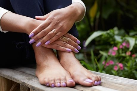 50 Min. Wellness-Fußpflege o. 60 Min. Fußpflege mit Shellack bei Diamant Kosmetik & Wellness (bis zu 63% sparen)