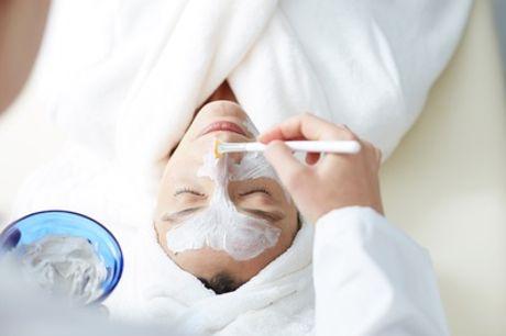 60 Min. klassische Gesichtsbehandlung, opt. inkl. Augenbrauen zupfen und färben, bei Le Soleil (bis zu 60% sparen*)