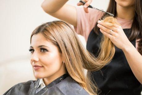 Haarschnitt mit Waschen & Föhnen optional mit Farbe bei MEK beauty lounge (bis zu 56% sparen*)