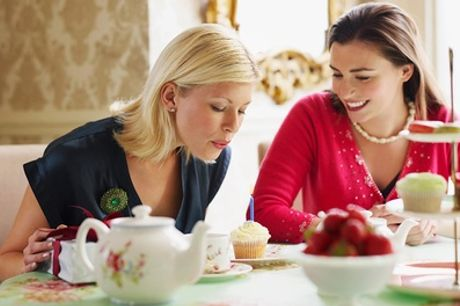 """""""Tea time"""" pour 2 ou 4 pers. avec boissons chaudes ou froides et mignardises au restaurant L'Enclos de Ninon"""