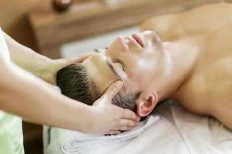 Limpieza facial con opción a masaje facial, tratamiento regenerador y masaje en Adna (hasta 66% de descuento)