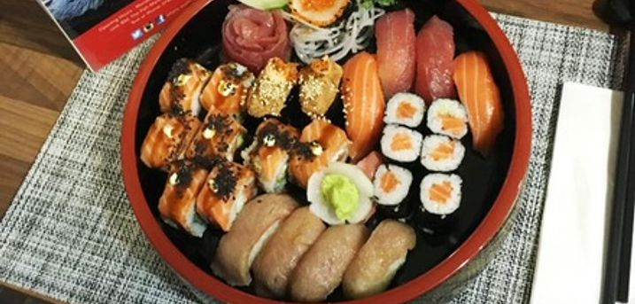 14-Piece Master Sushi Set with Green Tea for Up to Four at Otoro Sushi UK