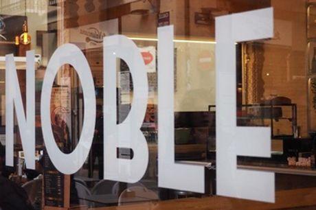 Menú degustación para 2 personas con 4 platos, postre y bebidas o botella de vino en Noble (51% de descuento)