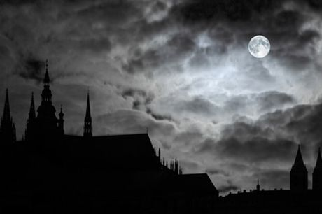 Supernatural or Historic Tours of Edinburgh for Two or Four with Thistle Knights Tours