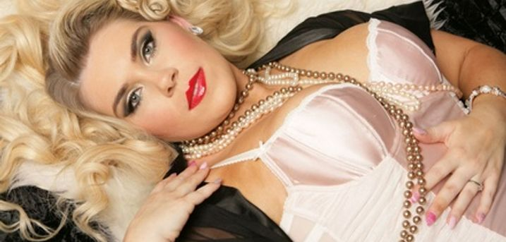 Two-Hour Vintage or Burlesque-Themed Makeover Photoshoot at Dream Makeovers and Boudoir