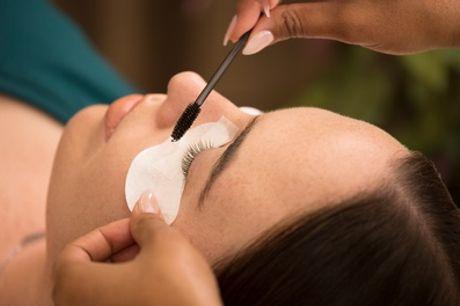 Extensiones de pestañas pelo a pelo con opción a diseño y depilación de cejas en La Bella Ivonne