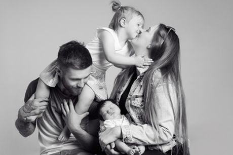 Family Photoshoot with Four Prints and Two Key Rings at ZigZag Photography