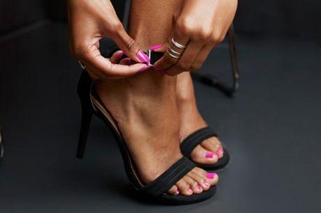 Beauté des mains ou des pieds avec pose de vernis simple, couleur ou french à l'institut Shayona Beauté 13