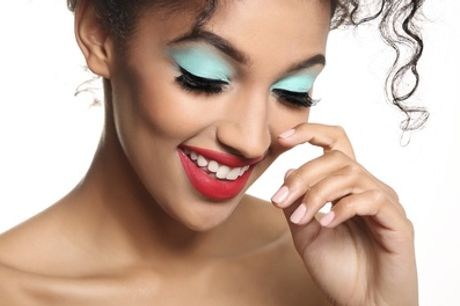 Three-Hour Make-Up Masterclass with Optional Gift from iMakeup Studio, Eight Locations