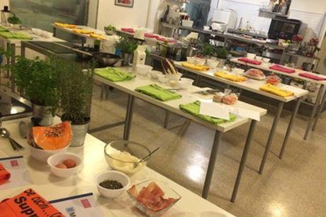 Lezione di cucina da 3 ore sui piatti romani per una o 2 persone con Mind Cibo per la Mente (sconto fino a 50%)