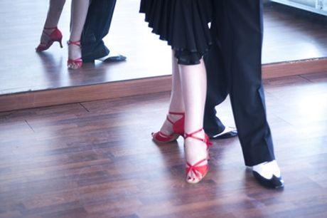 4 o 8 lezioni di tango argentino con Monica di Pietro (sconto fino a 86%).