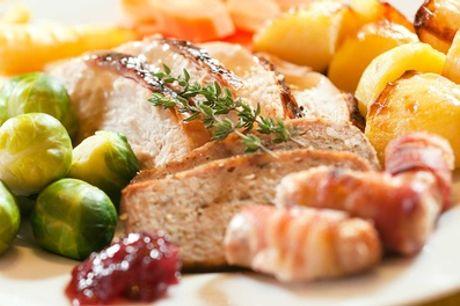Menu tipico sardo a scelta con calice di vino per 2 o 4 persone alla Tana dei Sardi (sconto fino a 60%)
