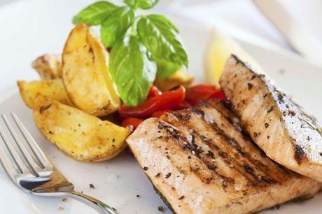 Menu di pesce a scelta con antipasto e dolce più calice di vino fino a 6 persone a La Tana Sarda (sconto fino a 50%)