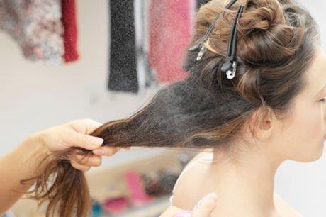 Pacchetto con shampoo, taglio, piega, maschera al salone Chiara Style By Chiara Carboni (sconto fino a 62%)