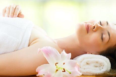 Pulizia viso, massaggio fino a 50 minuti e lampada abbronzante al centro NC Beauty Sun (sconto fino a 80%)