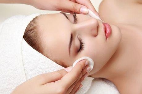 Una o 3 pulizie del viso da 45 minuti al centro EsteticAmica (sconto fino a 60%)