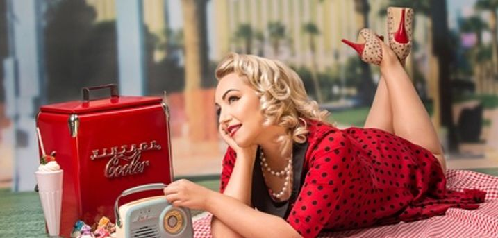 Peggy Sue 1950s Pin-Up Style Makeover and Photoshoot at Peter Frank Photography