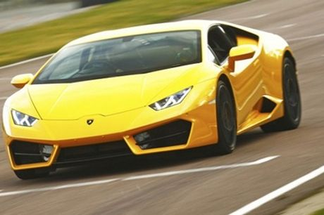 Three or Six Miles in Lamborghini Huracan at Car Chase Heroes, Multiple Locations