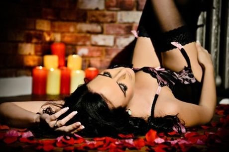 Boudoir Makeover Photoshoot With Three Prints and Digital Image at Stan Plus Stan Two