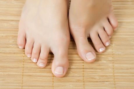 Laser Nail Fungus Treatment for One or Two Feet at Pami's Beauty