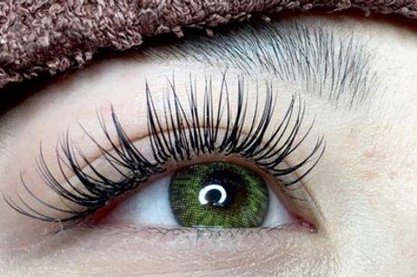 60 Min. Wimpern-Lifting für Damen opt. mit Färben bei Chika's Lashes (bis zu 63%sparen*)
