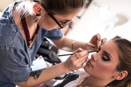 2 Stunden Make-up-Workshop für bis zu 4 Personen bei Beauty-and-you (bis zu 75% sparen*)