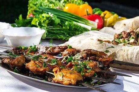 Kaukasisches 3-Gänge-Grillteller-Menü inkl. Vodka-Shot (2 cl) für 2 oder 4 Personen im Restaurant Baku (64% sparen*)