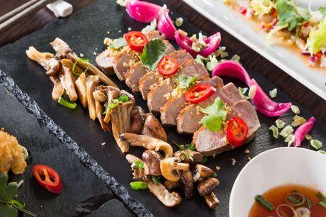 Spar 15% i aften: Sieu er en moderne og stilren restaurant, hvor råvarer af bedste kvalitet er et must. Retter og tilbehør ændres løbende, så du altid har mulighed for at få nye spændende smagsoplevelser. Book hér og få rabat på hele regningen!