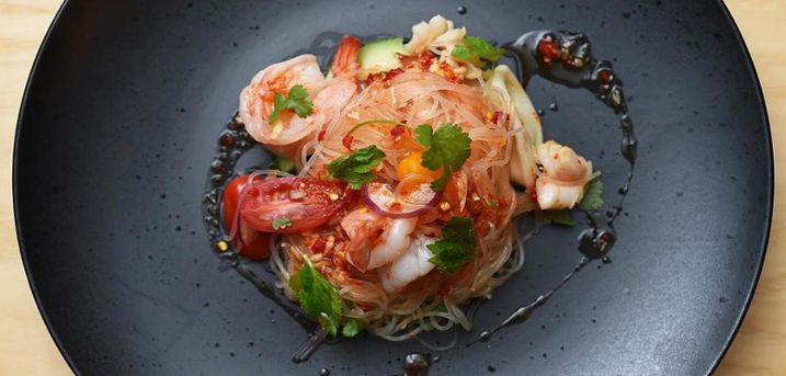 Spar 15% i aften: Oplev Danmarks første cambodjanske restaurant og smag de farverige og krydrede retter hos Khmer Cuisine. Reserver med R2N og få rabat på hele regningen.