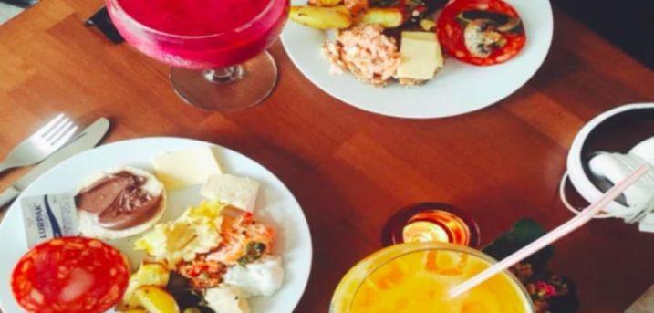 Spar 20% i aften: Hyggelig cafe på Nørrebro, stort menukort med klassiske cafe- og middelhavsretter.  Book hér og få rabat på hele regningen i aften!