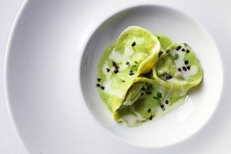 Spar 10% i aften: Ristorante San Giorgio i indre by holder til i stemningsfyldte lokaler.  Køkkenets udgangspunkt er det klassiske køkken fra Sardinien tilsat det bedste fra resten af Italien.  Book hér og få rabat på hele regningen i aften!