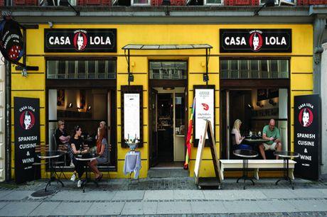 Spar 30% i aften: Casa Lola er inspireret af tapasbarerne i den nordlige del af Spanien – et område kendt for sin store varietet og fantastiske råvarer. Book hér og få rabat på hele regningen i aften!