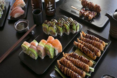 Spar 15% i aften: Okawari Sushi på Frederiksberg tilbyder et bredt udvalg af traditionel sushi og kinesiske supper. Vi kan anbefale deres all-you-can-eat, så man kan smage en masse forskelligt.  Book med R2N og få rabat på hele regningen i dag!