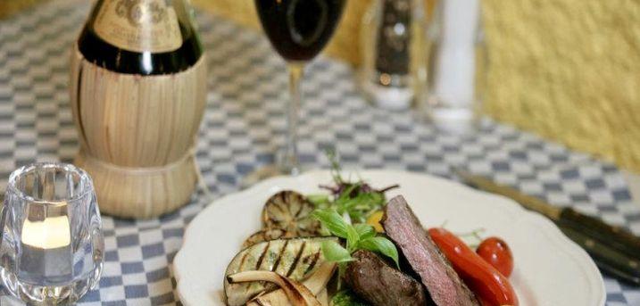 Spar 20% i aften: Oplev Italien - midt i Slagelse! Pulcinella har siden 1987, serveret lækre italienske retter i deres autentiske restaurant. Book hér og få rabat på hele regningen i dag!