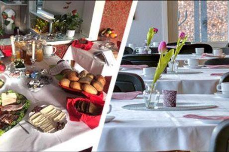Dejligt ophold for 2 i Sønderjylland - Ophold for 2 i Sønderjylland! 1 overnatning i dobbeltværelse med eget bad, morgenmad, velkomstkaffe og kage, 3 retters menu med vinmenu. Værdi kr. 1998,-