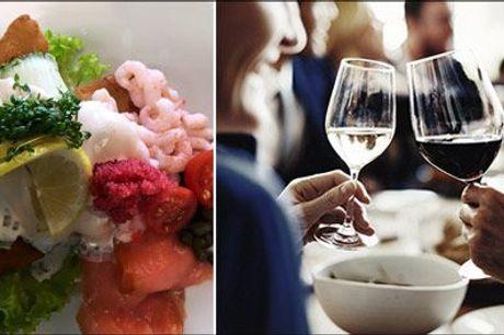 Overnatning for 2 med mad & vin. - Skønt hotelophold for 2 på Als. 1 overnatning på Nørherredhus Hotel med morgenbuffet, velkomstkaffe med kage, 3 retters menu samt vinmenu. Værdi kr. 2445,-