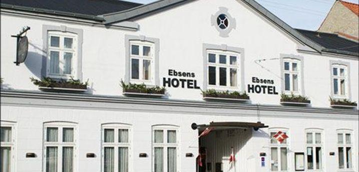 Velkommen på hyggelige Ebsens Hotel i Maribo - En overnatning for 2 personer m. morgenmad, kaffe og kage, 1 flaske vin på værelset, 3 retters menu, værdi kr. 1605,-