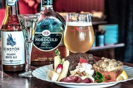 Spar 20% i aften: Frokostbuffet med traditionelle danske retter med noget for enhver smag hos Svane Pub. Hertil bredt sortiment af øl og snaps.  Reservér her og få rabat på hele regningen i aften.