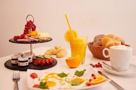 Frühstück mit frisch gepresstem Orangensaft für 2 oder 4 Personen bei Fast and Tasty (bis zu 27% sparen*)