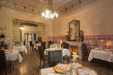 Menú fusión para 2 personas con entrante, principal, postre y bebida en La Vila Restaurant (49% de descuento)