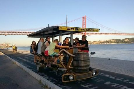 Alguma vez pensou em passear pela zona ribeirinha de Lisboa numa bicicleta que tem a bordo um bar e animação? A Bike Bar Tours é o primeiro bike bar, e único, em Lisboa que se desloca através da pedalada dos seus clientes! Aproveite para passear pela cida