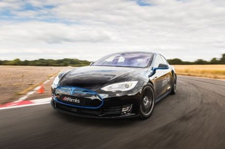 "Telsa ""Ludicrous"" Car Experience at Drift Limits"