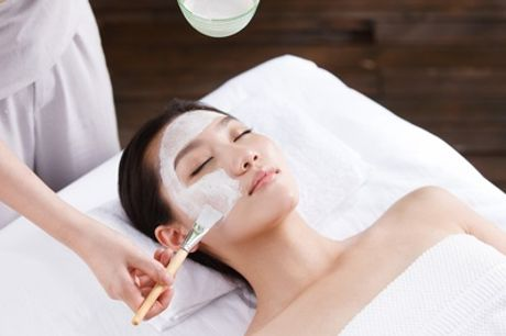 "40 Min. ""Grund""-Gesichtsbehandlung oder 60 Min. ""DeLuxe""-Gesichtsbehandlung bei Beautyrush (bis zu 54%sparen*)"