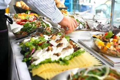 Bufé libre para dos o cuatro personas en Buffet Mquince (hasta 42% de descuento)