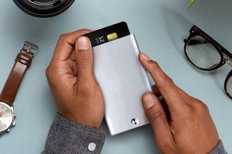 Porte-cartes de automatique. Fabriqué en alliage d'aluminium de haute qualité, ce support de carte est durable et non corrosif. Il est extrêmement léger et se glisse dans toutes les poches. Peut contenir jusqu'à 16 cartes de visite ou 6 cartes bancaires.