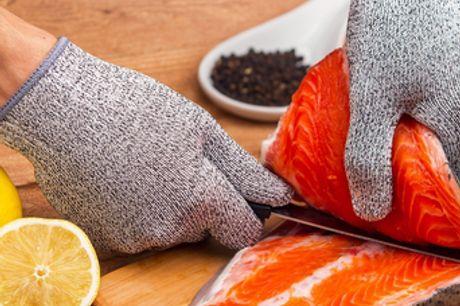 Gants de boucher de sécurité résistants aux coupures. Protégez vos mains lorsque vous tranchez et coupez vos produits en dés. Fabriqué en maille métallique robuste durable et confortable. Réutilisable et lavable.